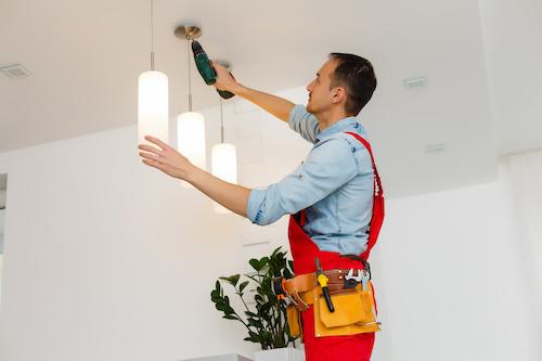 Deckenlampe anbringen Berlin
