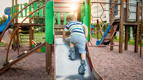 Spielturm aufbauen lassen Kosten Berlin